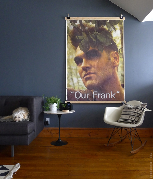Morrissey in a frameless frame