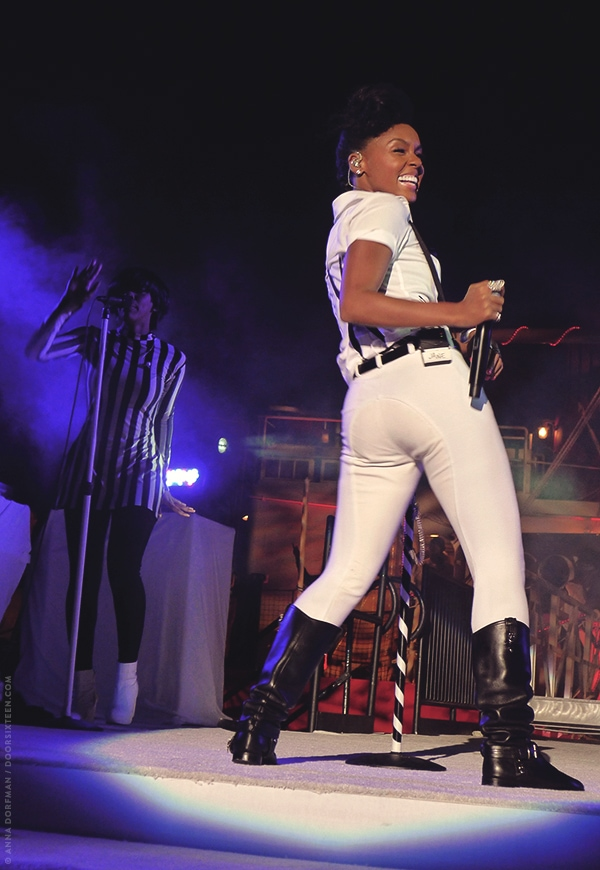 doorsixteen_janellemonae_91013_12