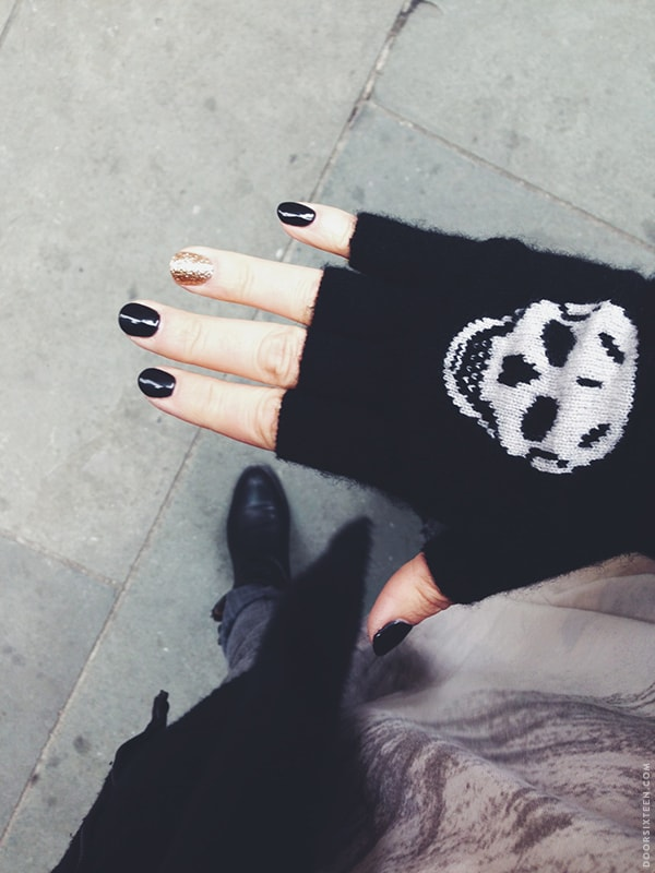 doorsixteen_skullgloves
