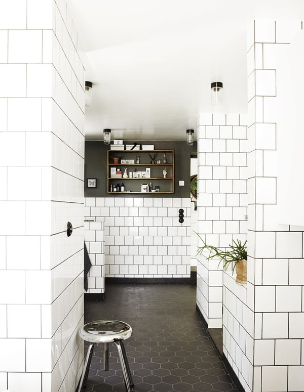 Square Tiles Dark Grout Door Sixteen